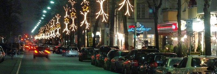 Die IG Reichsstraße kümmert sich auch um die Weihnachtsbeleuchtung, die von der WALL AG finanziert wird.