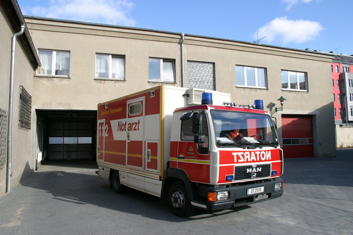 Notarzteinsatzfahrzeug Friedrichshain (NEF 1205)