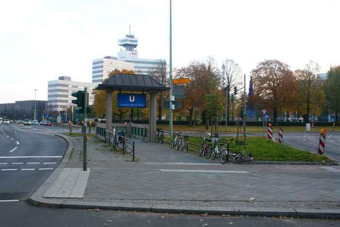 U-Bahnhof Theodor-Heuss-Platz (U2)