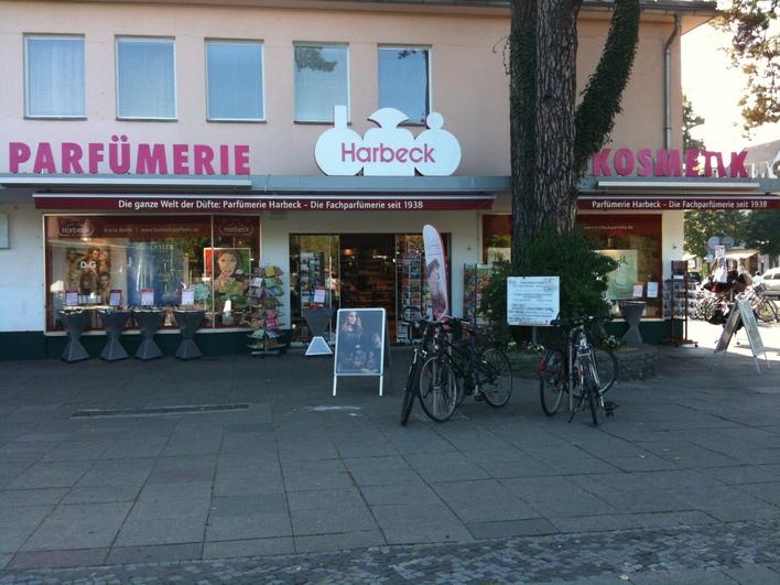 Parfümerie Harbeck in der Fischerhüttenstraße