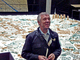 Ganz Berlin auf einen (Über-)Blick: Der Stadtführer vor dem Stadtmodell