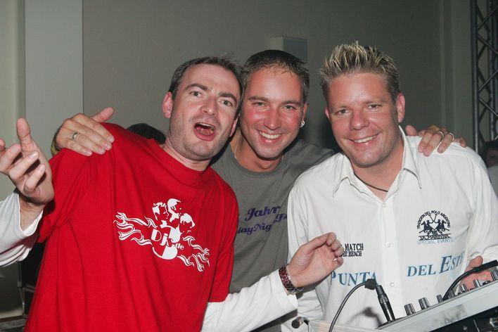 Das Team von 3DJs bieten DJ-Musik für Ihre Veranstaltungen in Berlin und Brandenburg.