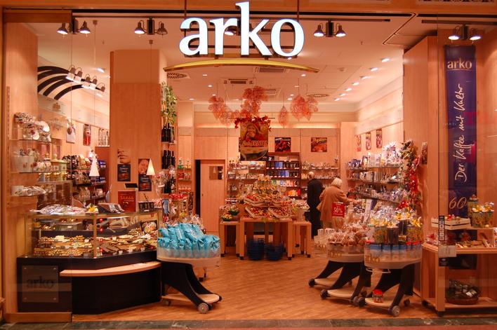 Arko Arko im Einkaufszentrum das Schloss