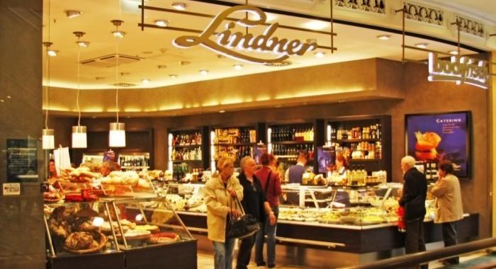 Lindner im Einkaufszentrum das Schloss