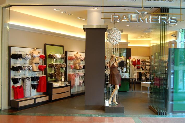 Palmers im Einkaufszentrum das Schloss