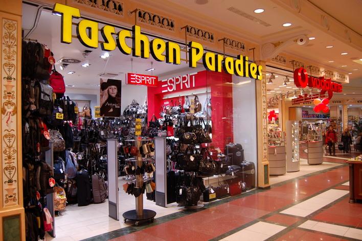 Taschen Paradies im Einkaufszentrum das Schloss