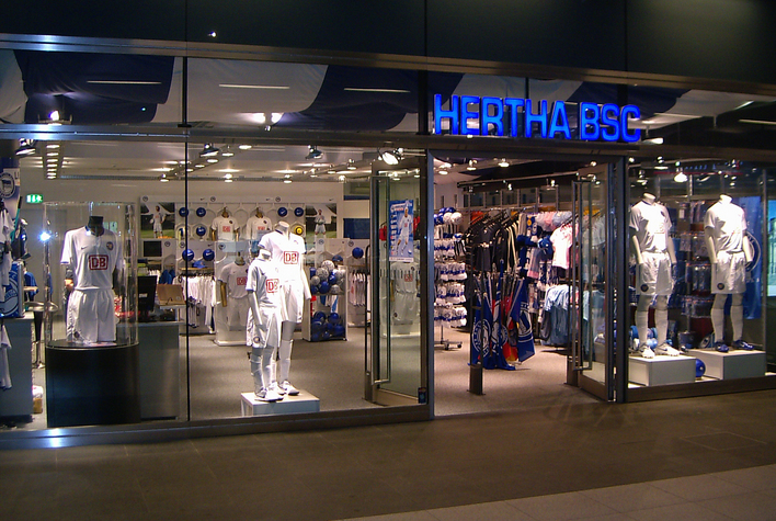 hertha bsc fanshop hauptbahnhof sportgesch ft in. Black Bedroom Furniture Sets. Home Design Ideas