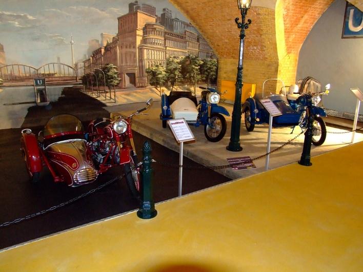 Ausstellungsstück des 1. Berliner DDR Motorrad-Museum
