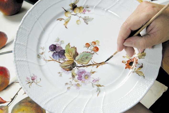 Blumenmalerei bei der KPM