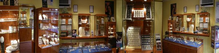 Bei Golfschmied Daniel in Steglitz finden Sie eine schöne Auswahl an Schmuck – und Perlenkollektionen.