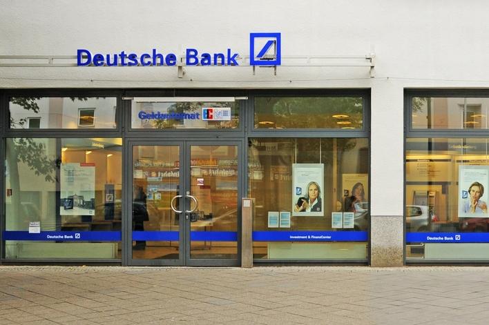 Deutsche Bank in den Gropius Passagen
