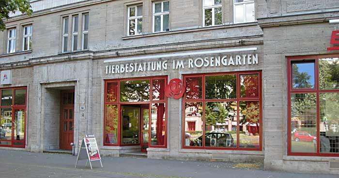 Tierbestattung IM ROSENGARTEN - Unser Ladenlokal in der Berliner Karl-Marx-Allee 64