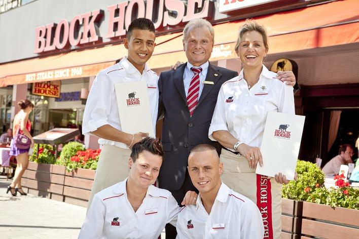 Das Team vom Block House Alexanderplatz freut sich auf Ihren Besuch!