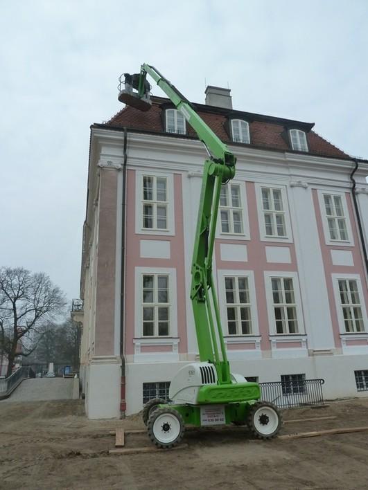 bt sky-lift zeilinga im Einsatz beim Schloss Friedrichsfelde