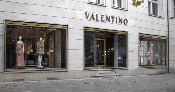 d2f15d42706cc6 VALENTINO - Boutique in Berlin Charlottenburg - KAUPERTS