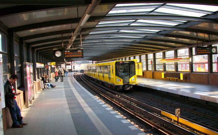 U-Bahnhof Mendelssohn-Bartholdy-Park (U2)