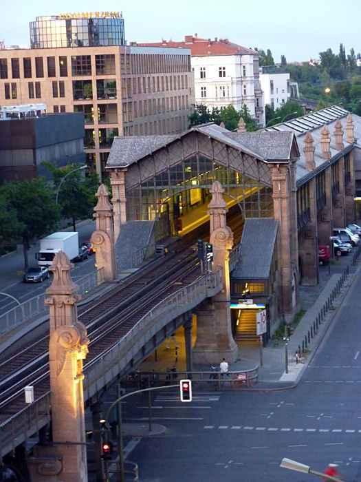 U-Bahnhof Bülowstraße (U2)