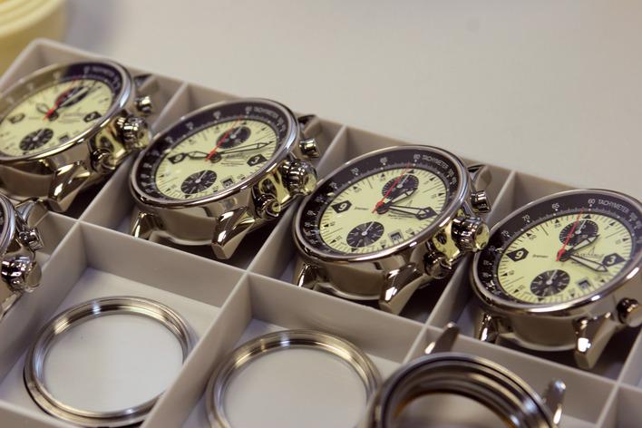 Limitierte Kleinserien hochwertiger Armbanduhren. Gefertigt in Berlin-Friedenau.