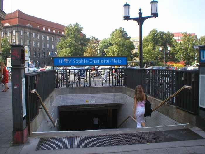 U-Bahnhof Sophie-Charlotte-Platz (U2)