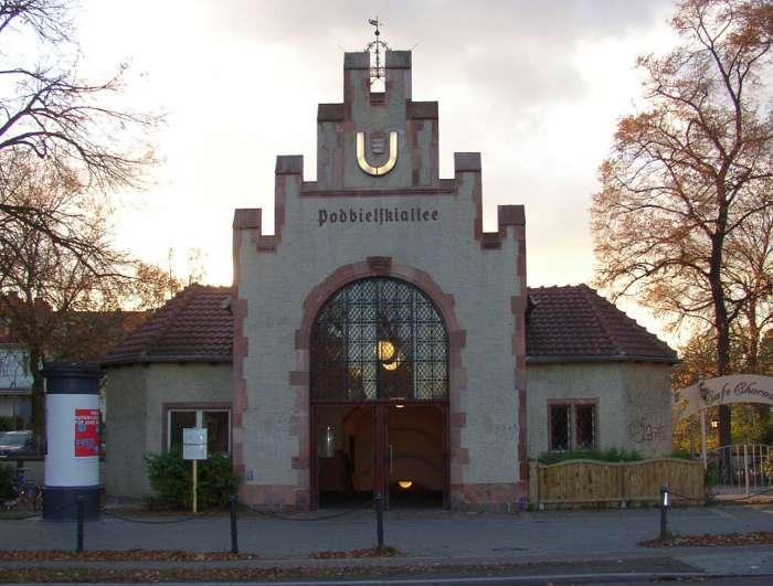U-Bahnhof Podbielskiallee (U3)