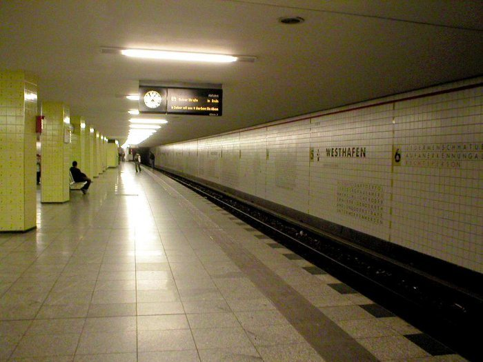 U-Bahnhof Westhafen (U9)