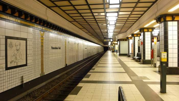 U-Bahnhof Paracelsus-Bad (U8)