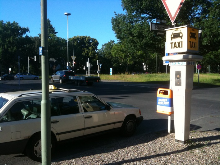 Taxirufsäule Scholzplatz