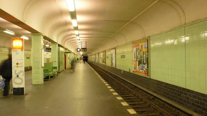 U-Bahnhof Leinestraße (U8)