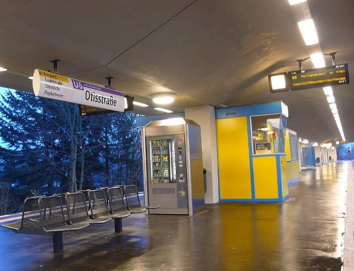 U-Bahnhof Otisstraße (U6)