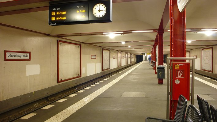 U-Bahnhof Schwartzkopffstraße (U6)
