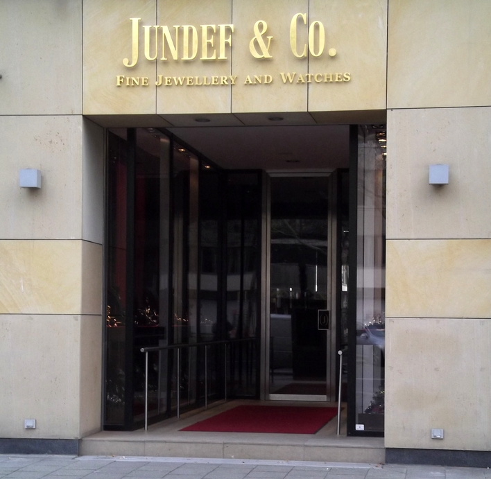 Jundef & Co. OHG am Kurfürstendamm