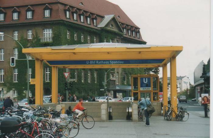 U-Bahnhof Rathaus Spandau (U7)
