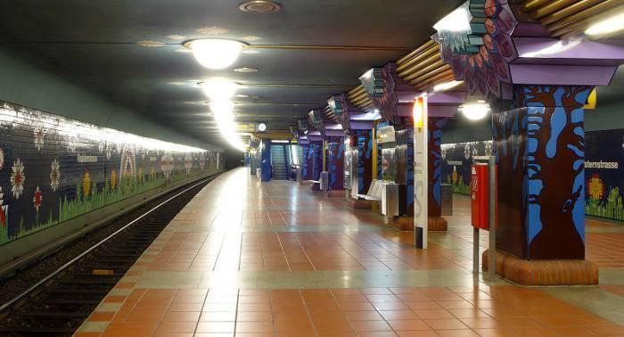 U-Bahnhof Paulsternstraße (U7)