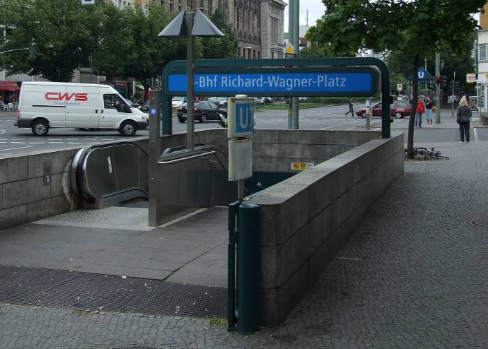 U-Bahnhof Richard-Wagner-Platz (U7)