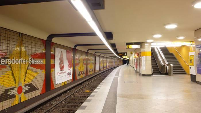 U-Bahnhof Wilmersdorfer Straße (U7)