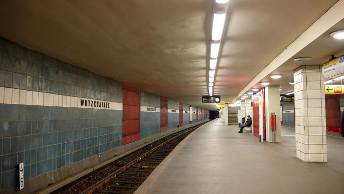 U-Bahnhof Wutzkyallee (U7)