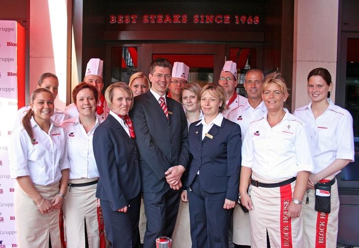 Das Team vom Block House Friedrichstraße freut sich auf Ihren Besuch!