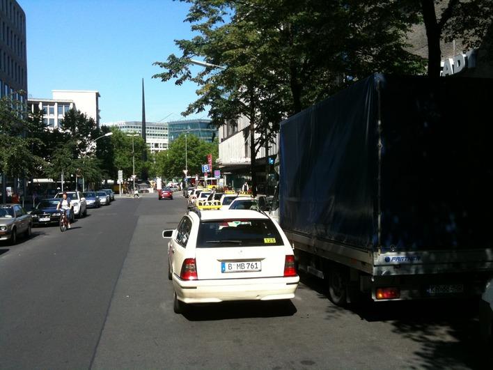 Taxiplatz Augsburger Straße