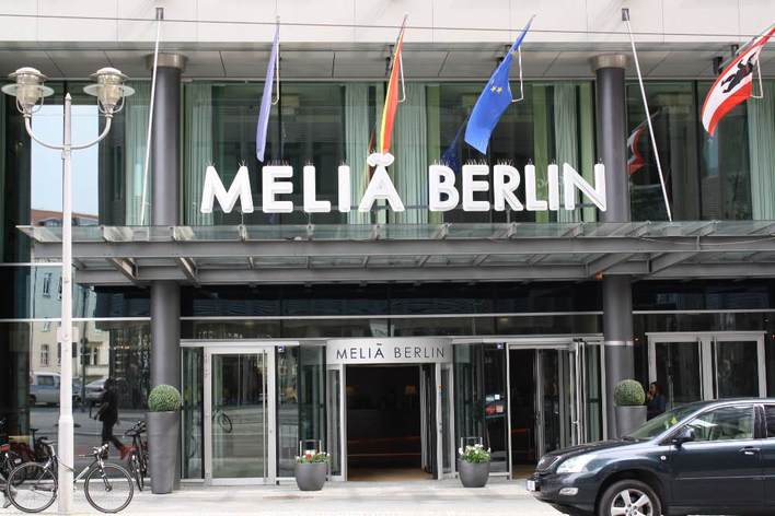 meli berlin hotel in berlin mitte kauperts. Black Bedroom Furniture Sets. Home Design Ideas