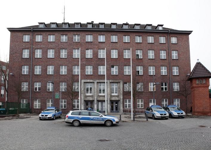 Polizeiabschnitt 11 in der Berliner Straße in Berlin-Tegel