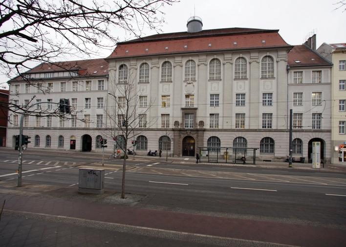Polizeiabschnitt 15 in der Eberswalder Straße in Berlin-Prenzlauer Berg