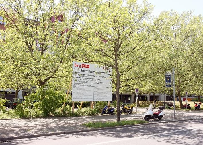 Polizeiabschnitt 22 in der Charlottenburger Chaussee in Berlin-Spandau