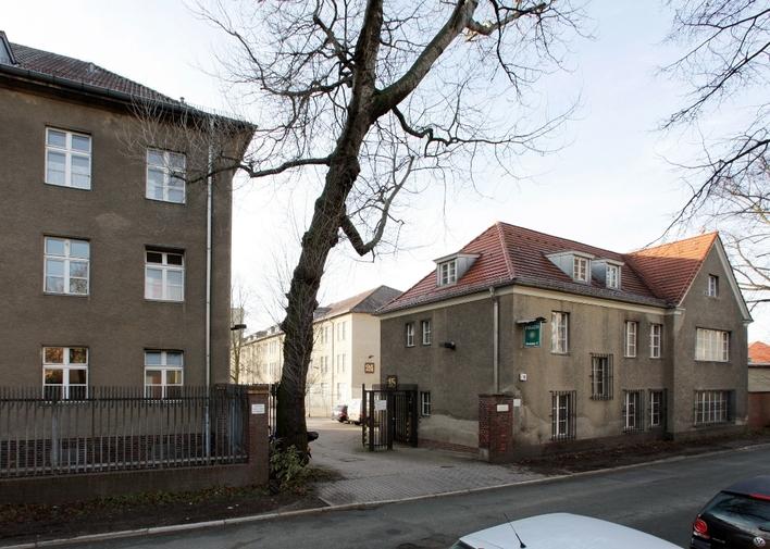 Polizeiabschnitt 46 in der Gallwitzallee in Berlin-Lankwitz