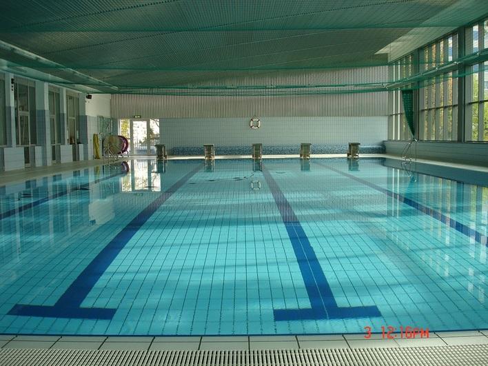 Schwimmhalle Allendeviertel