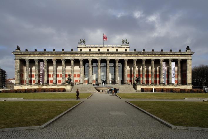 altes museum museum in berlin mitte kauperts. Black Bedroom Furniture Sets. Home Design Ideas