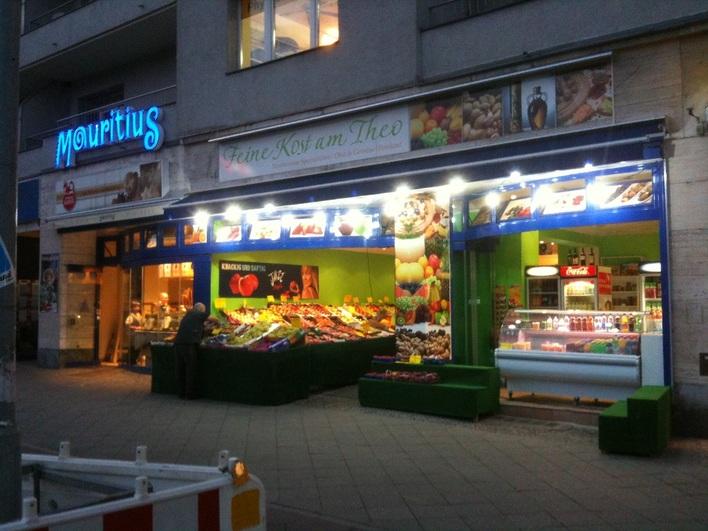 Feine Kost am Theo - frisches Obst und Gemüse am Theodor-Heuss-Platz
