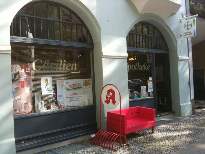Cäcilien-Apotheke am Amtsgerichtsplatz.