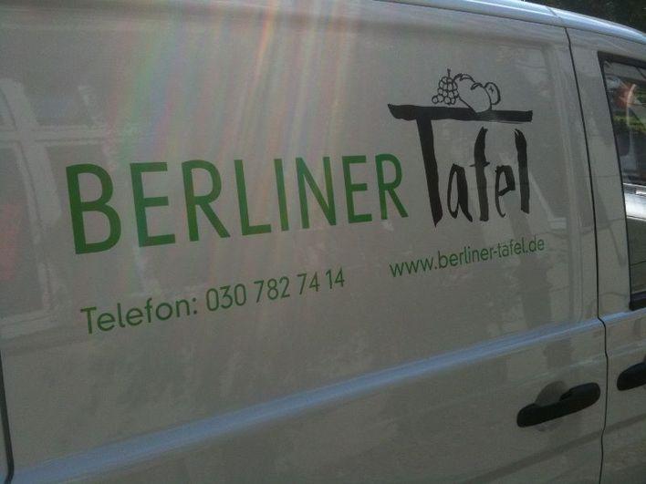 """Fahrzeug vom Verein """"Berliner Tafel""""."""
