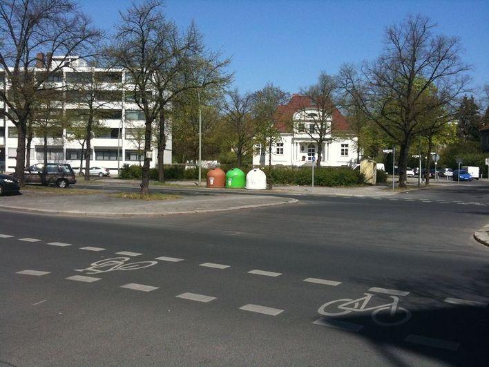 Altglascontainer Reichsstraße