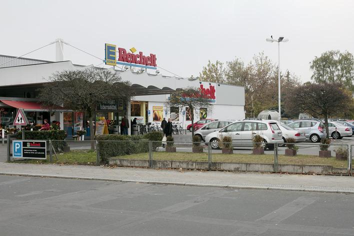 Edeka - Falkenseer Chaussee